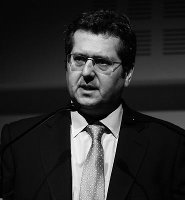 Dr. Álvaro Bengoa