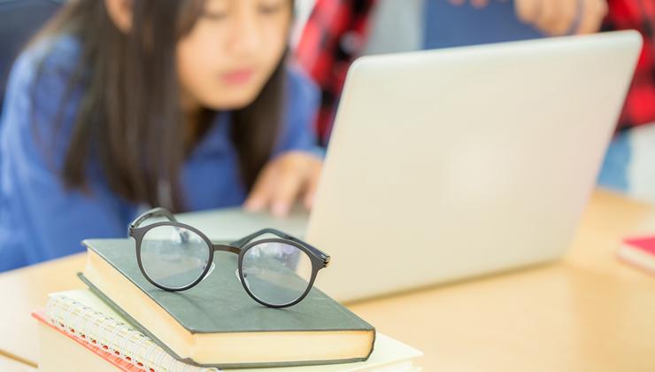 Els alumnes de 340 escoles aprenen com funciona la vista gràcies a Fundació IMO