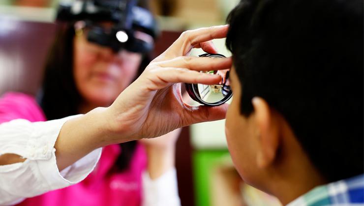 Fundación IMO detecta el doble de problemas de visión que en 2016 entre la infancia vulnerable de Carabanchel