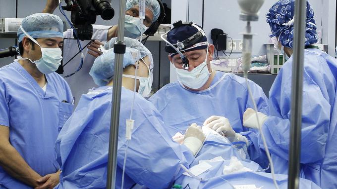 Barcelona Oculoplastics s'obrirà amb una sessió de cirurgia en directe en la qual es mostrarà als especialistes assistents les maniobres de reconeguts experts en el maneig de casos complexos.