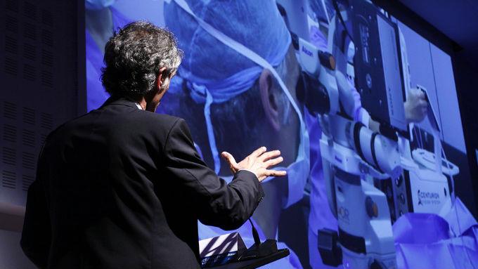 El Dr. Güell y el Dr. Elies ofrecerán cirugía en directo con el láser de femtosegundo, una de las principales innovaciones  que se presentarán en el congreso de la ESCRS para las intervenciones de refractiva y de catarata