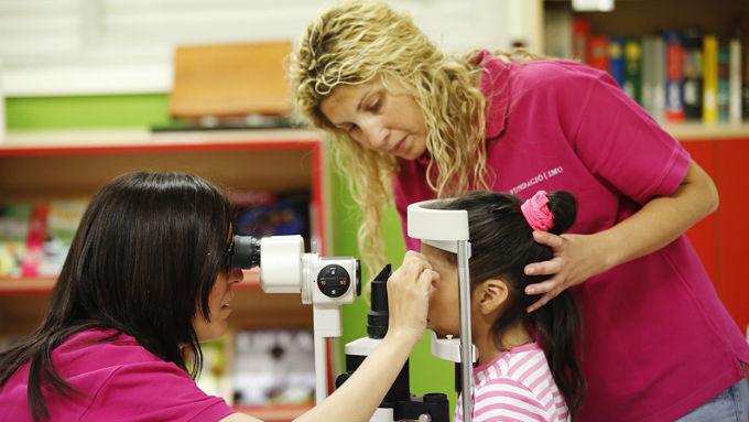 El programa de salud ocular en la infancia desfavorecida es una de las iniciativas que ha puesto en marcha la Fundación IMO y que se alinea con el reto que plantea IAPB: promover una atención oftalmológica universal y de calidad.
