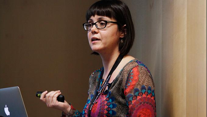 La Unitat de Retinopatia Diabètica de l'IMO està formada per  experts en el maneig de les complicacions oculars de pacients amb diabetis, como la Dra. Burés, que respondrà les seves preguntes en un vídeo-xat el 12 de novembre.
