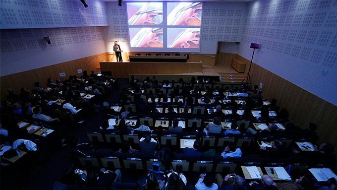 """La conferencia magistral """"Current Trends in Glaucoma"""", a cargo del Dr. Ike K. Ahmed, fue uno de los platos fuertes del encuentro celebrado en IMO"""